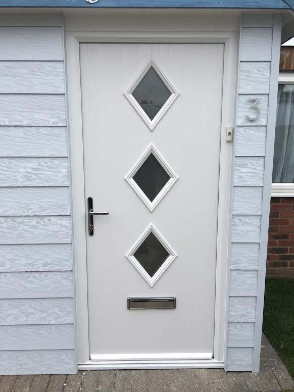 Door Style Purchased 3 Diamond Composite Front Door in White & GRP Composite Doors UK Reviews
